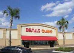 Village Lakes Shopping Center: